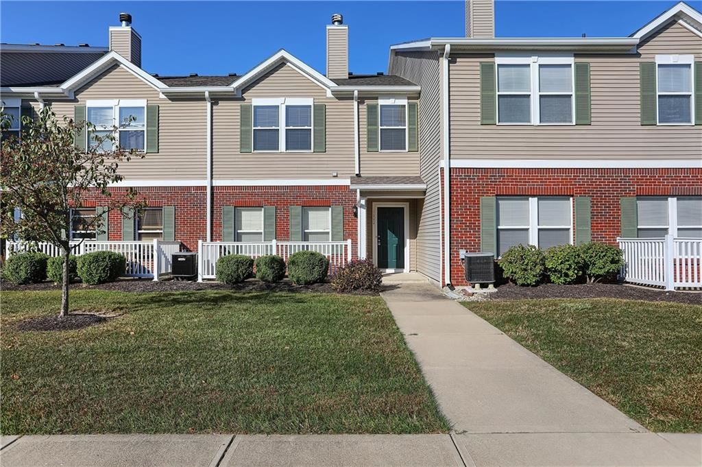 Photo of 12185 Pebble #1000, Fishers, IN 46038 (MLS # 21674154)