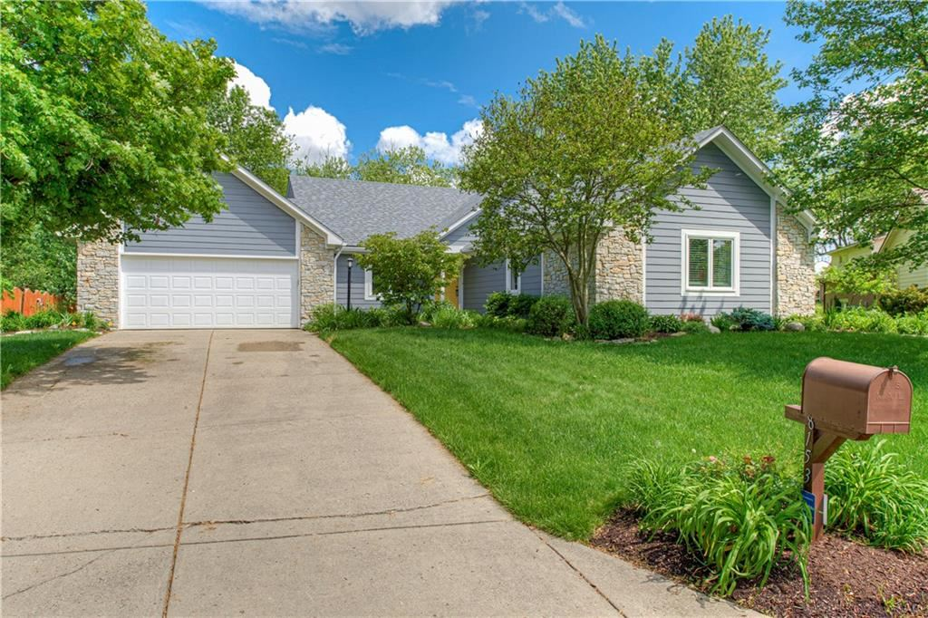 8153 Bay Brook Drive, Indianapolis, IN 46256 - #: 21695156