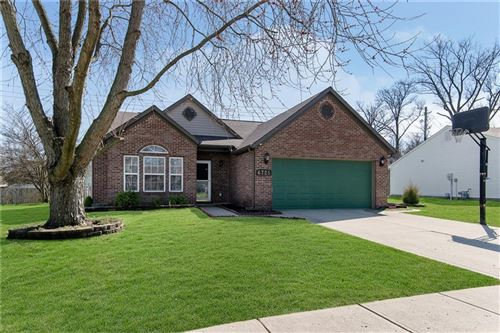 Photo of 6725 Decatur Commons, Indianapolis, IN 46221 (MLS # 21702157)