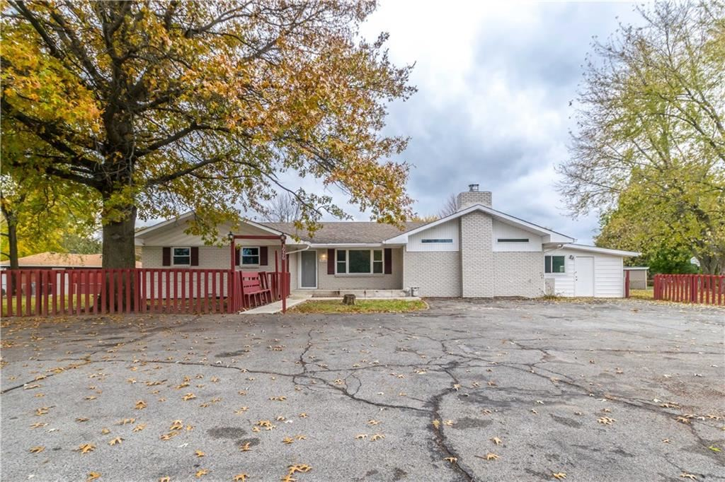 3926 South Sherman Drive, Indianapolis, IN 46237 - #: 21658158