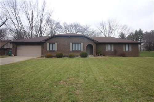 Photo of 3824 Clubhouse Court, Greenwood, IN 46142 (MLS # 21757165)
