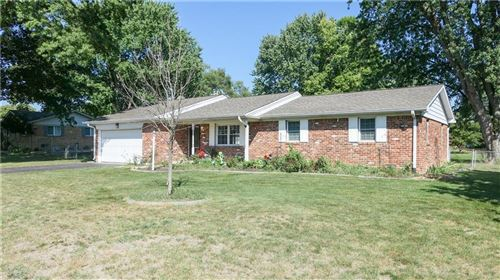 Photo of 7894 Sharon, Avon, IN 46123 (MLS # 21670173)