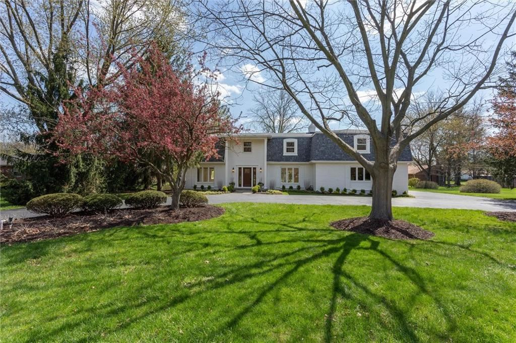 425 Oakwood Drive, Indianapolis, IN 46260 - #: 21694180