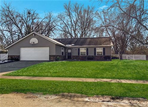 Photo of 5823 Lakeland Drive, Indianapolis, IN 46220 (MLS # 21761182)