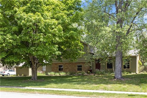 Photo of 11409 East Lakeshore Drive, Carmel, IN 46033 (MLS # 21712184)