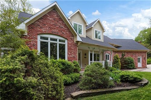 Photo of 645 Mulberry Street, Zionsville, IN 46077 (MLS # 21711190)