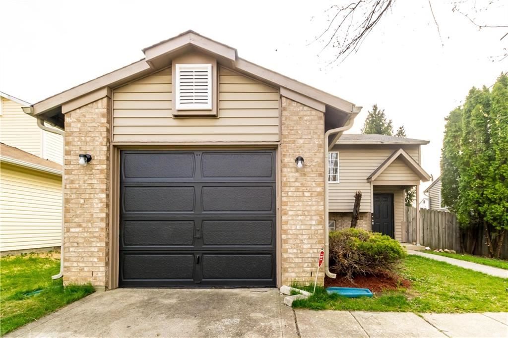 Photo of 4051 LUXEMBOURG W Creek, Indianapolis, IN 46228 (MLS # 21777190)