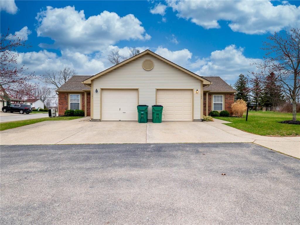Photo of 103 Woodberry Drive, Danville, IN 46122 (MLS # 21773192)