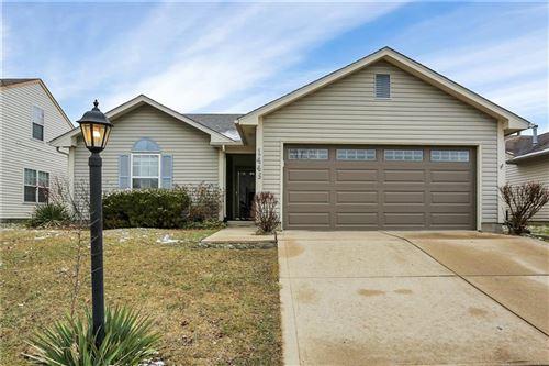 Photo of 1443 Blue Brook Way, Greenwood, IN 46143 (MLS # 21761193)