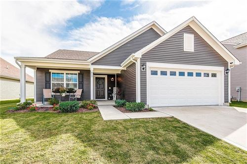 Photo of 813 Blue Ash Trail, Greenwood, IN 46143 (MLS # 21813200)