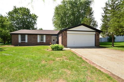 Photo of 3311 Crickwood Drive, Indianapolis, IN 46268 (MLS # 21731206)