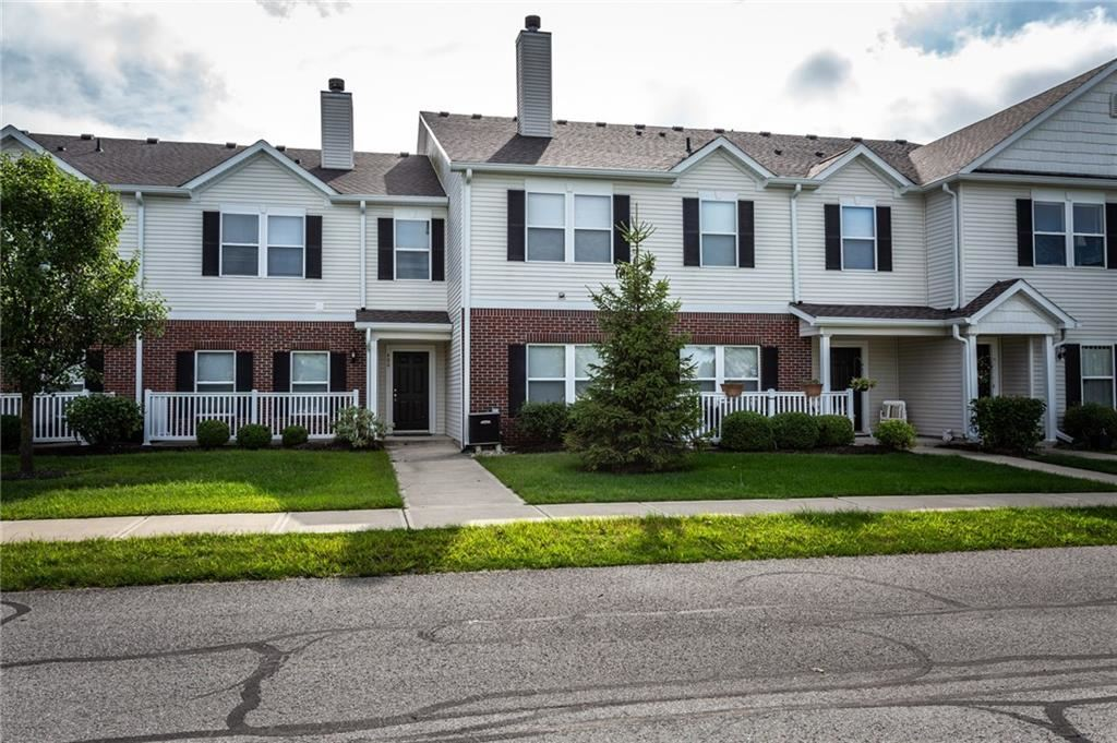 Photo of 12155 PEBBLE #400, Fishers, IN 46038 (MLS # 21663211)