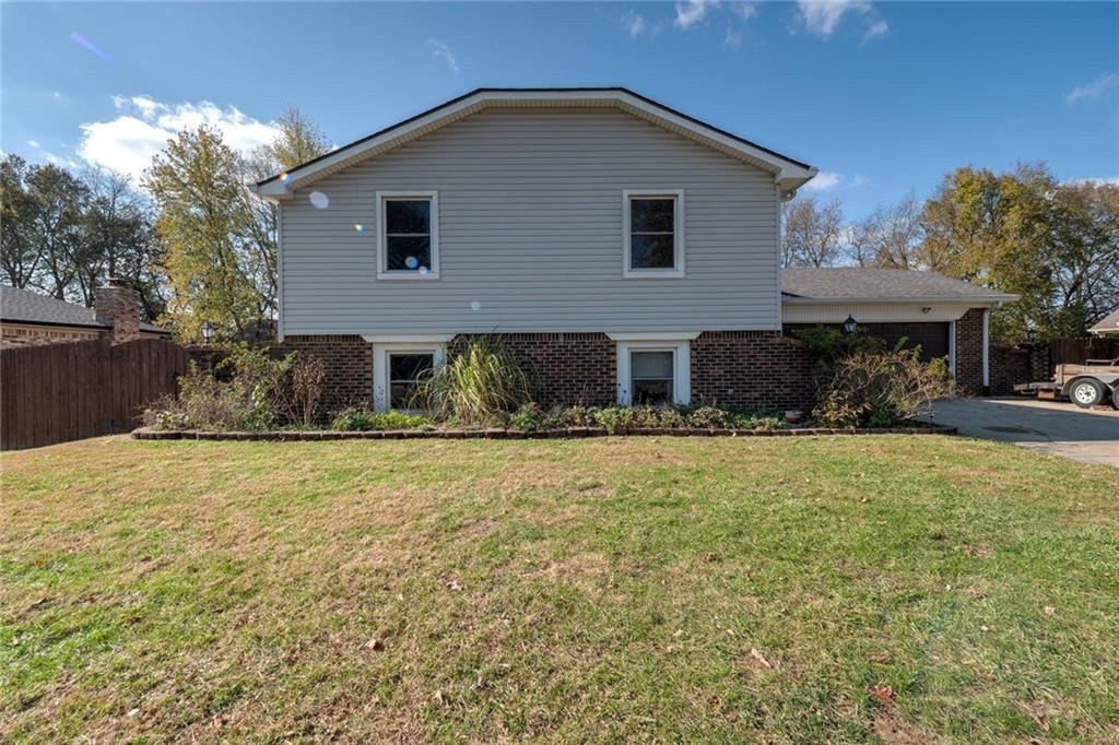 222 Leaning Tree Road, Greenwood, IN 46142 - #: 21680211