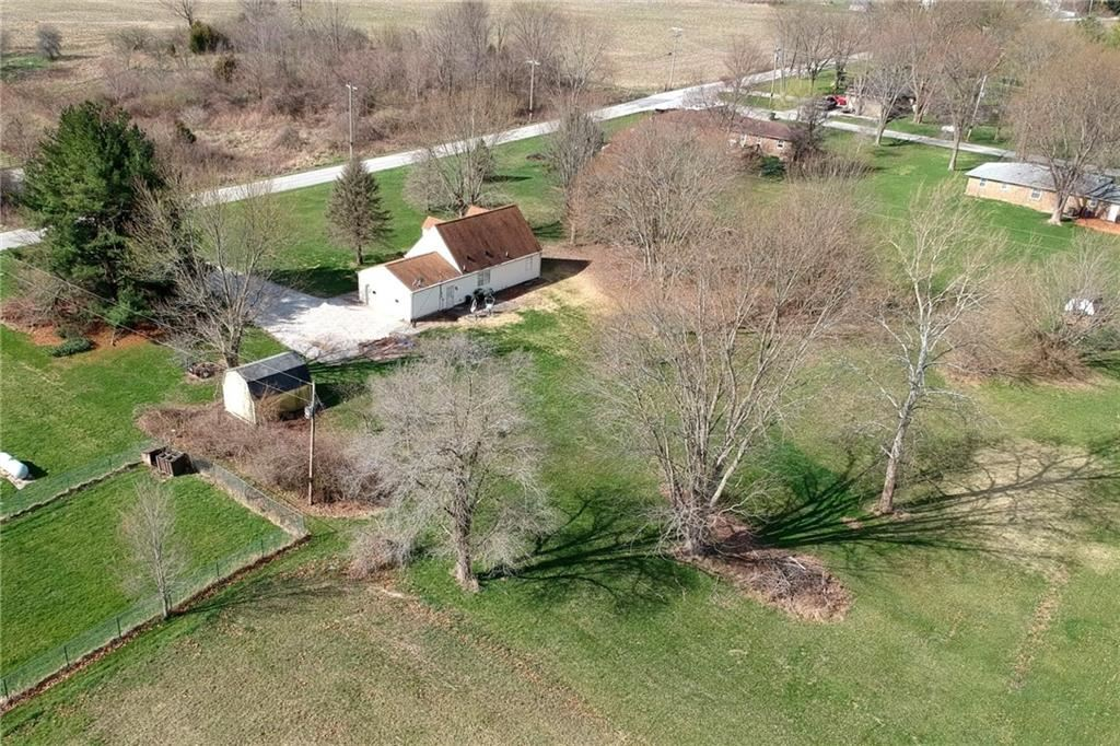 Photo of 2820 East County Road 750 S, Clayton, IN 46118 (MLS # 21775211)