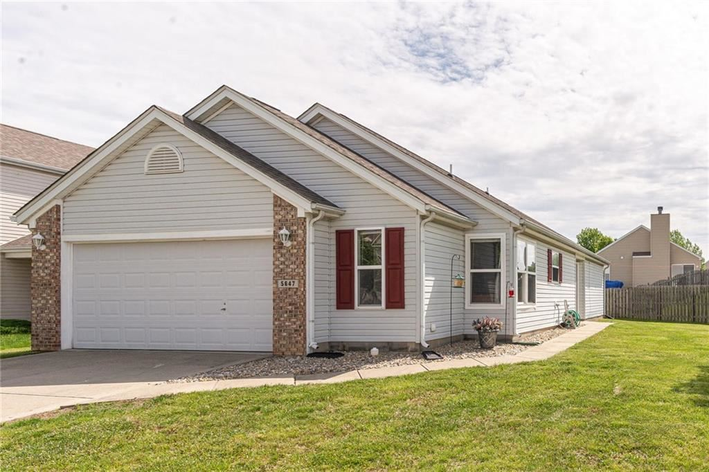 5647 Glass Chimney Lane, Indianapolis, IN 46235 - #: 21712212