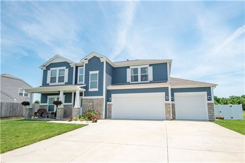 Photo of 4713 Clairmont Drive, Columbus, IN 47203 (MLS # 21792214)