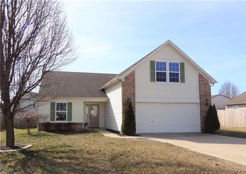 Photo of 955 Braun Drive, Greenfield, IN 46140 (MLS # 21769218)