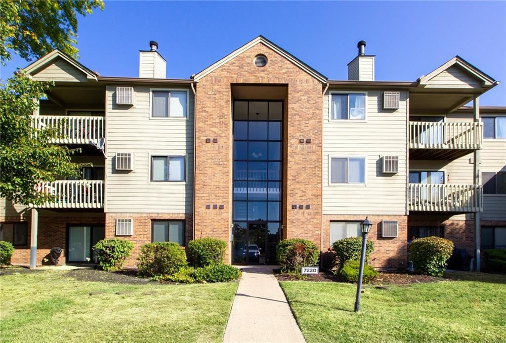 7220 Village Parkway #11 Drive, Indianapolis, IN 46254 - #: 21742223