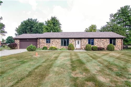 Photo of 304 Cranberry Drive, Greenfield, IN 46140 (MLS # 21808224)