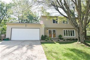 Photo of 811 Countryside, Columbus, IN 47201 (MLS # 21667231)