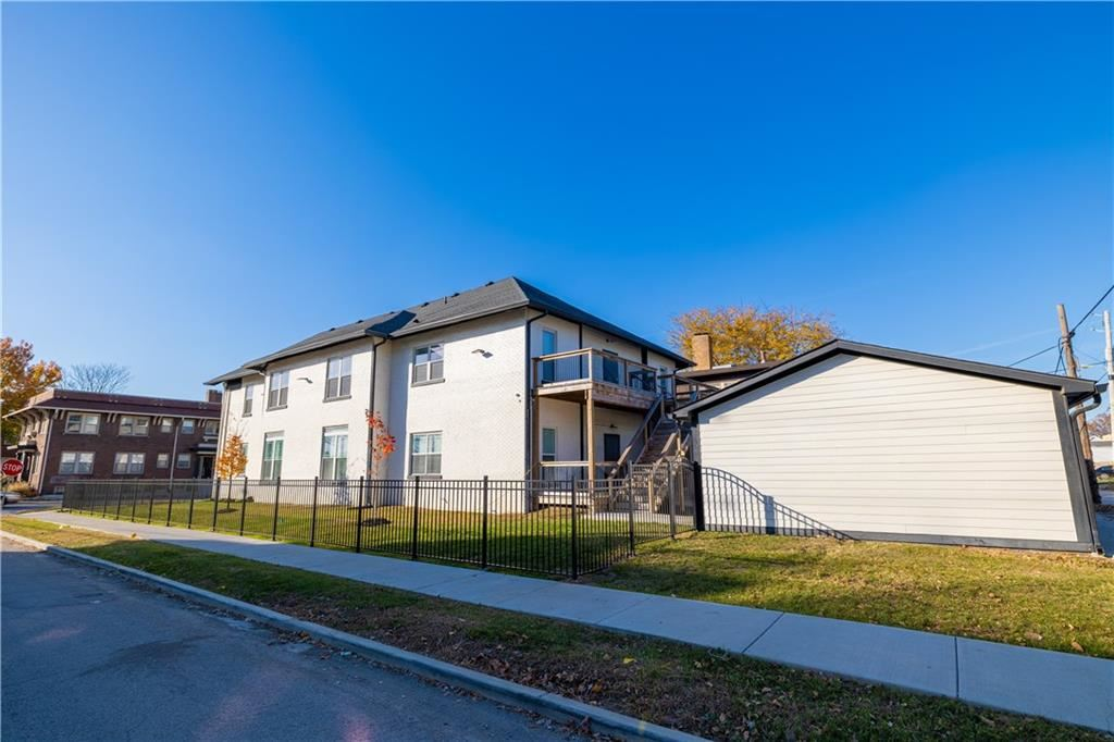 Photo of 1701 North College Avenue #1, Indianapolis, IN 46202 (MLS # 21751233)