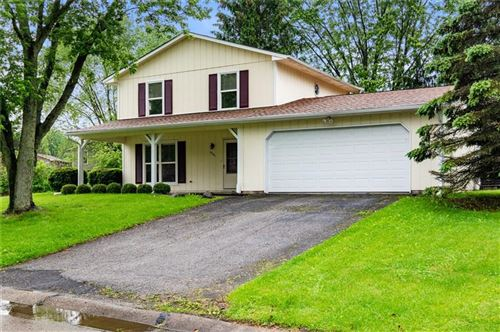 Photo of 4025 Oil Creek Drive, Indianapolis, IN 46268 (MLS # 21707255)