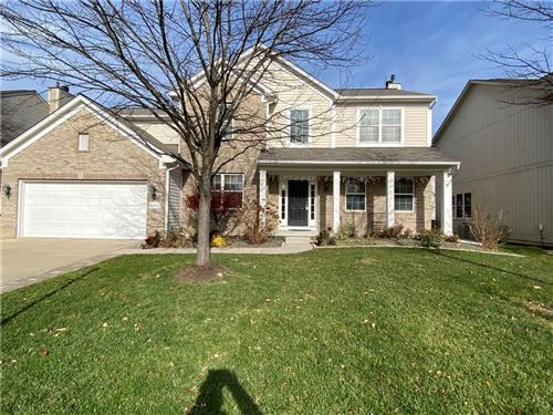 Photo of 11902 Castlestone Dr, Fishers, IN 46037 (MLS # 21754261)