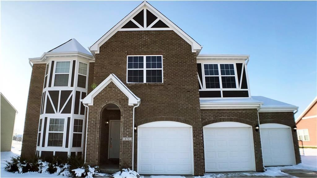 Photo of 172 Halldale Drive, Whiteland, IN 46184 (MLS # 21763270)