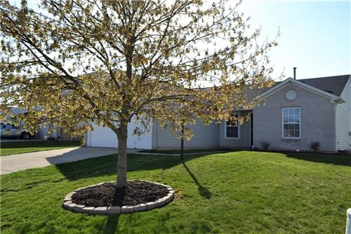 Photo of 574 Paddlebrook Drive, Danville, IN 46122 (MLS # 21778271)