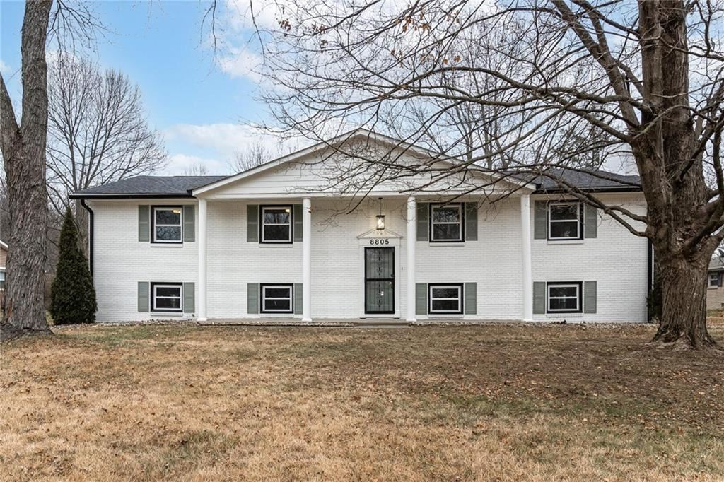 8805 Holliday Drive, Indianapolis, IN 46260 - #: 21760274