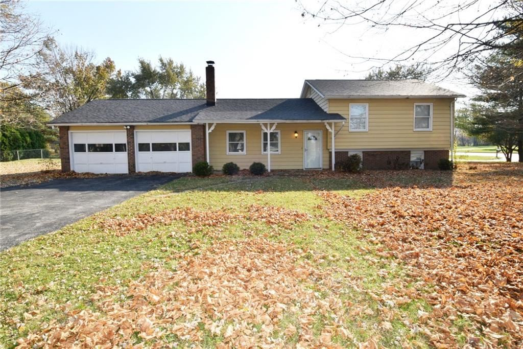 21 Woodhill Drive, Indianapolis, IN 46227 - #: 21680276