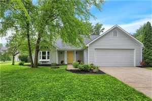Photo of 1622 Waterford, Zionsville, IN 46077 (MLS # 21648289)