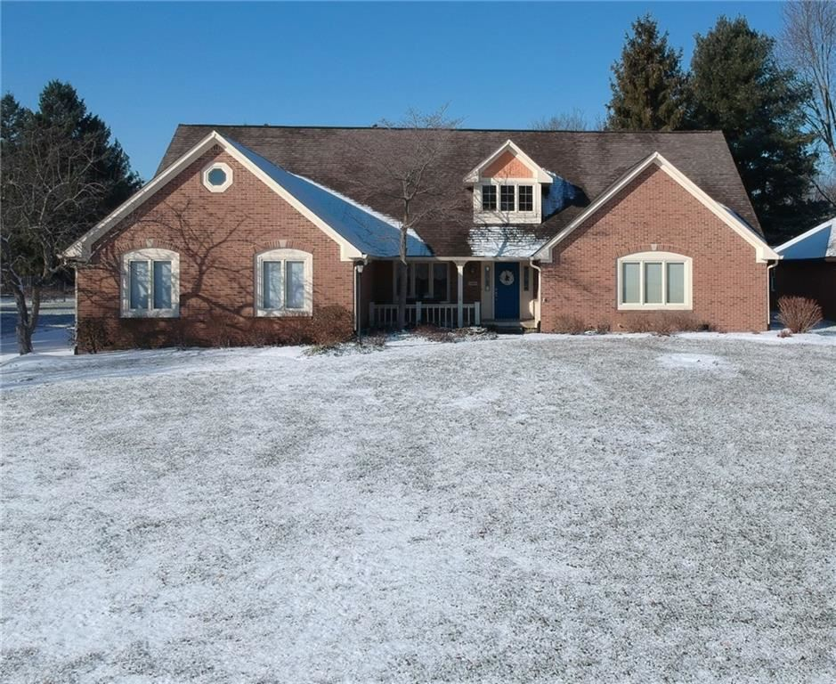 302 Lake Drive, Greenwood, IN 46142 - #: 21769289