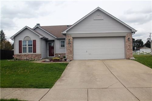 Photo of 1852 Chatham Place, Danville, IN 46122 (MLS # 21695290)