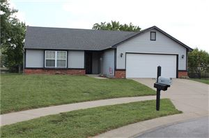 Photo of 6041 Sally Ann, Indianapolis, IN 46237 (MLS # 21668292)