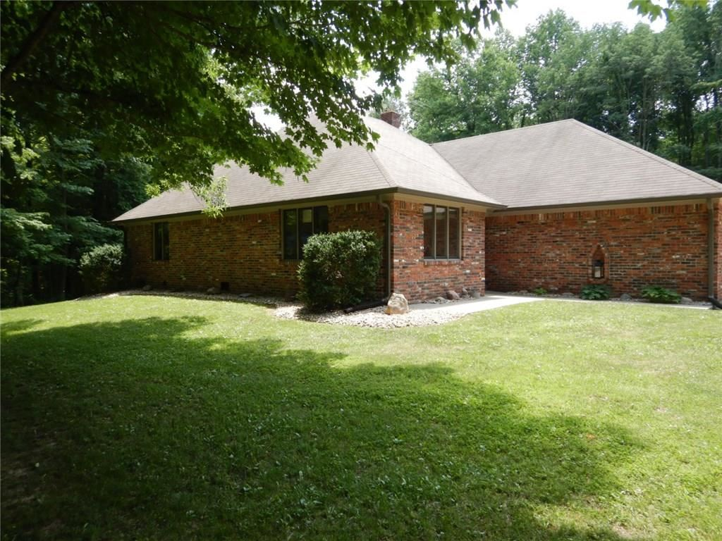 Photo of 239 East County Road 200 S, Danville, IN 46122 (MLS # 21720292)
