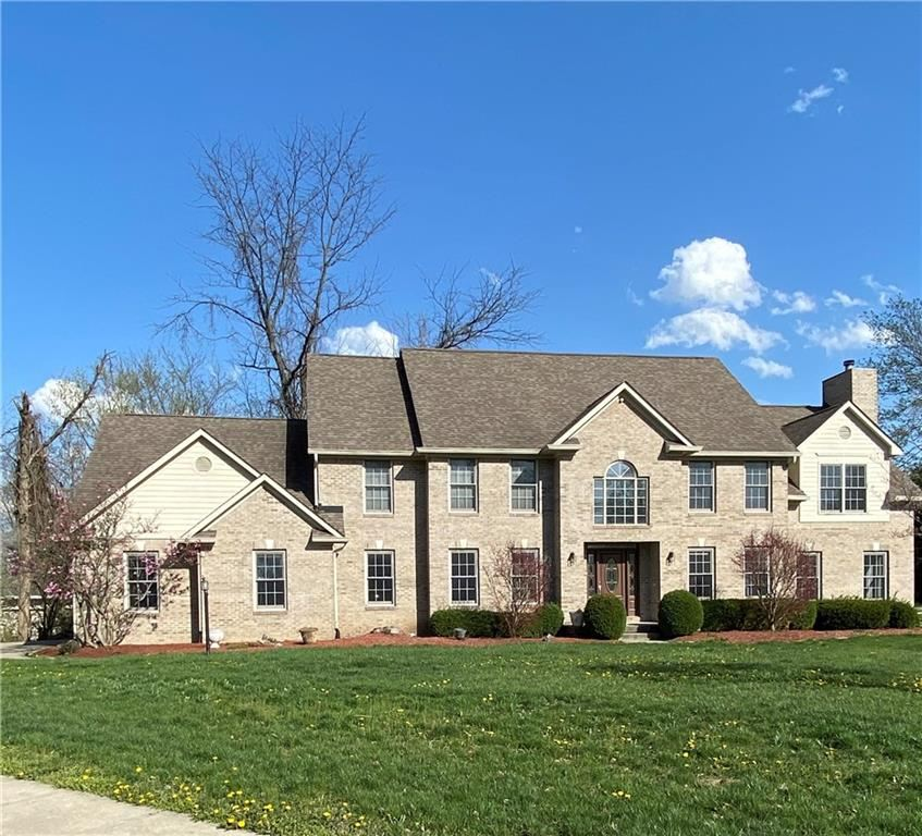 Photo of 8717 Gordonshire Drive, Indianapolis, IN 46278 (MLS # 21774302)