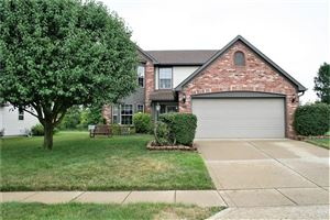 Photo of 6144 Black Oaks, Indianapolis, IN 46237 (MLS # 21656304)