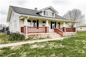 Photo of 3662 West Smith Valley, Greenwood, IN 46142 (MLS # 21632307)