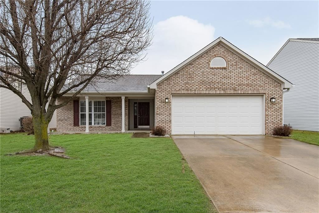 2734 NEWAYGO Drive, Indianapolis, IN 46217 - #: 21694308