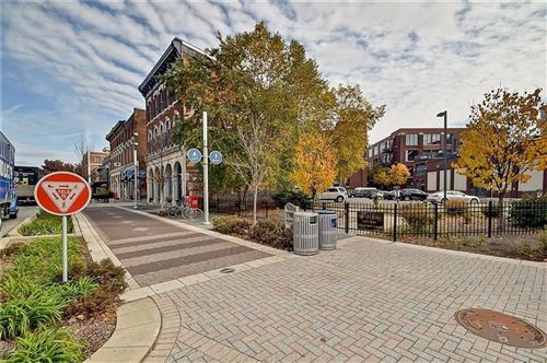 Photo of 624 East Walnut Street #410, Indianapolis, IN 46204 (MLS # 21731310)