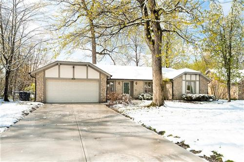 Photo of 8321 Tanager Lane, Indianapolis, IN 46256 (MLS # 21779312)