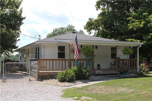 Photo of 4645 Voyles Road, Martinsville, IN 46151 (MLS # 21724318)