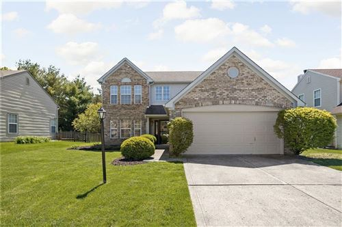 Photo of 10509 PINEVIEW Circle, Fishers, IN 46038 (MLS # 21784320)