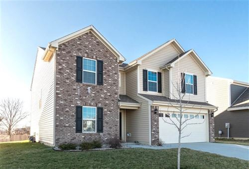 Photo of 2462 Sungold Trail, Greenwood, IN 46143 (MLS # 21696326)