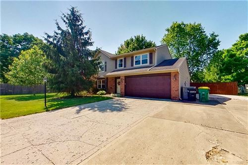 Photo of 192 Hickorywood Court, Brownsburg, IN 46112 (MLS # 21719326)
