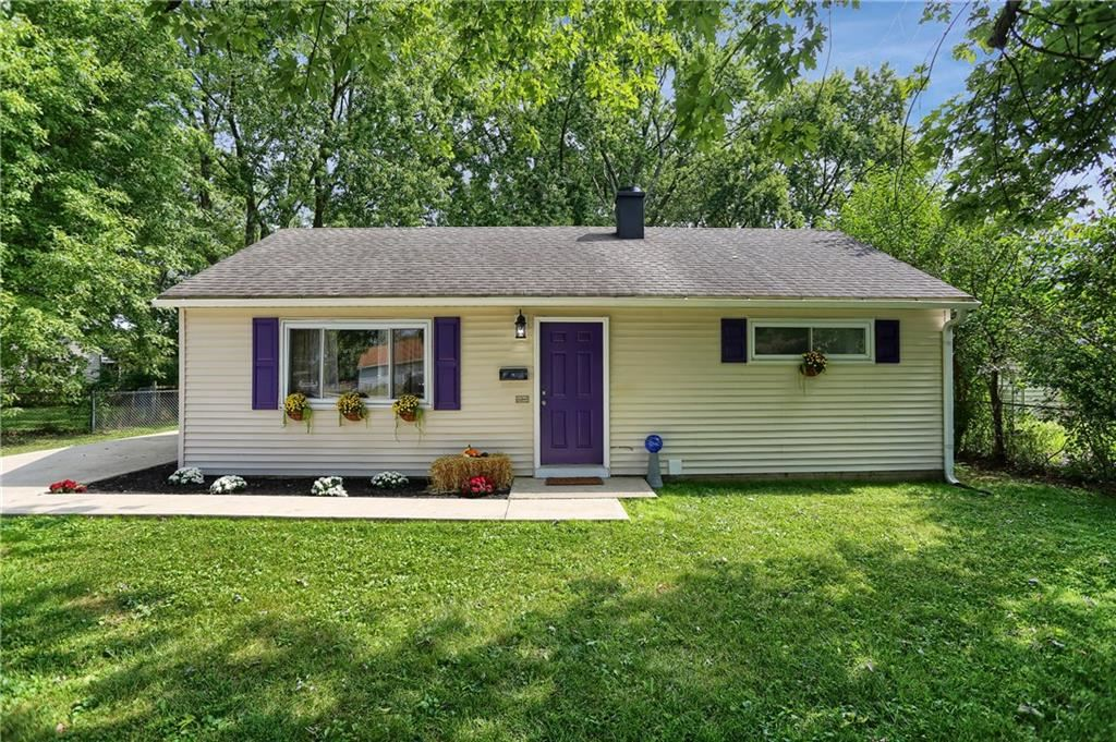 114 East HALL Court, Greenwood, IN 46142 - #: 21739332