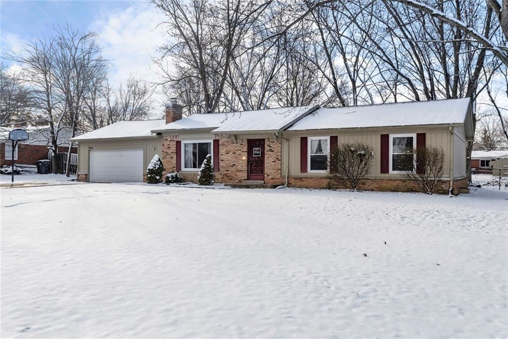 Photo of 8405 Los Robles Road, Fishers, IN 46038 (MLS # 21696335)