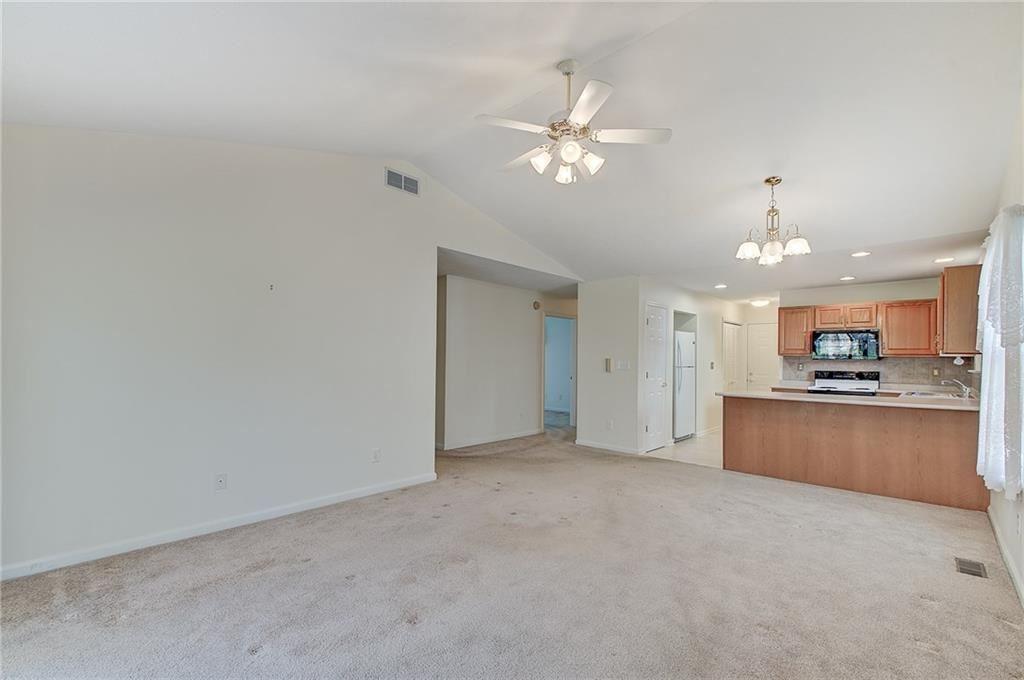Photo of 1015 Village Circle Drive, Greenwood, IN 46143 (MLS # 21754335)