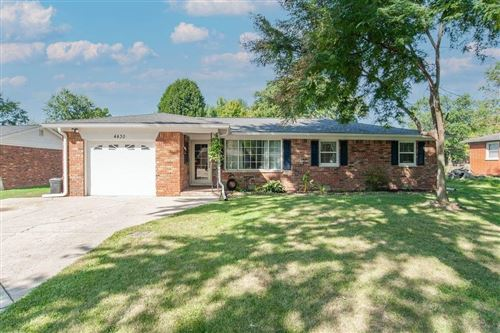 Photo of 4430 CHATHAM Drive, Brownsburg, IN 46112 (MLS # 21813339)